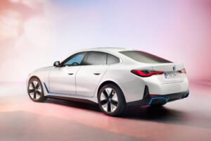 BMW fully electric i4 revealed – Is this the BMW to take on Tesla?