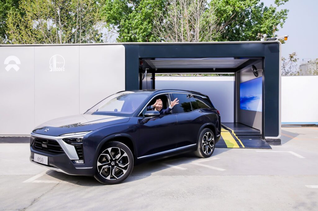 World's first mass-produced battery swap station starts operation in Beijing