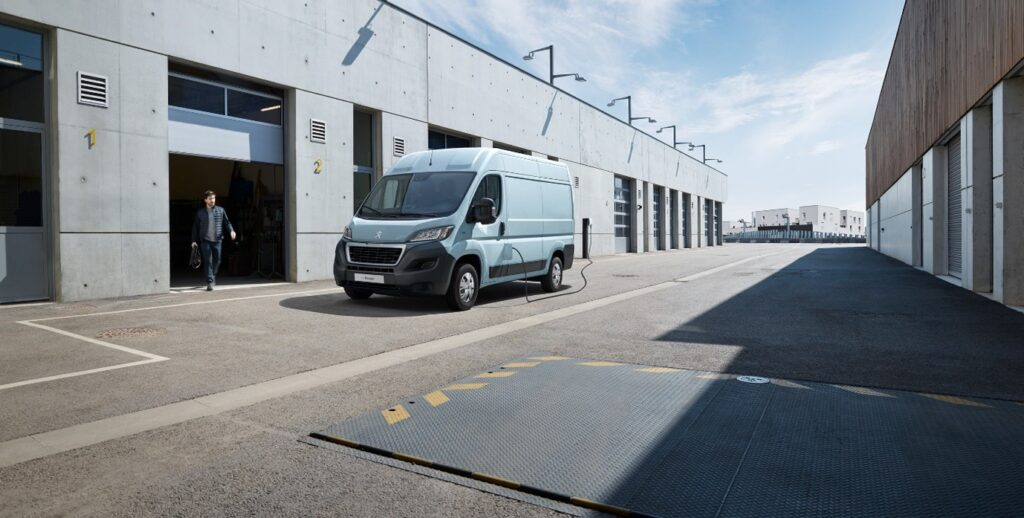 Peugeot opens reservations for the new e-Boxer van starting from £49k