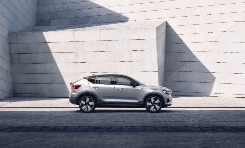 Volvo Cars opens order books for 100% electric C40 Recharge