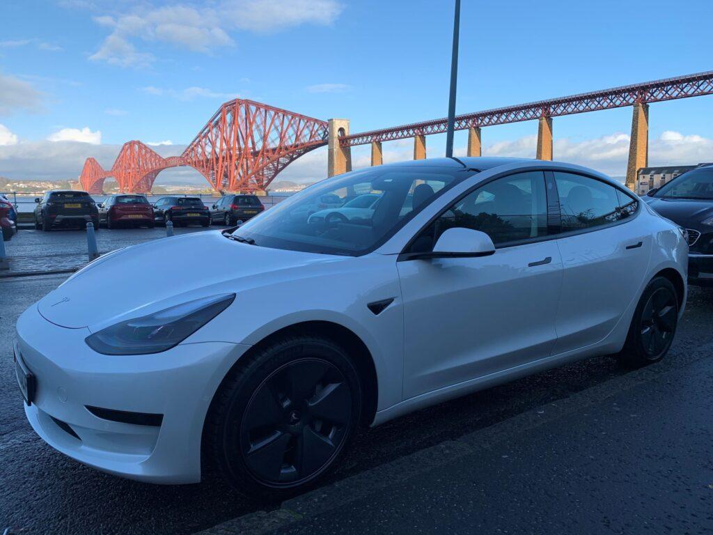 Tesla Model 3 Standard 2020, Alex - EV Owner Review