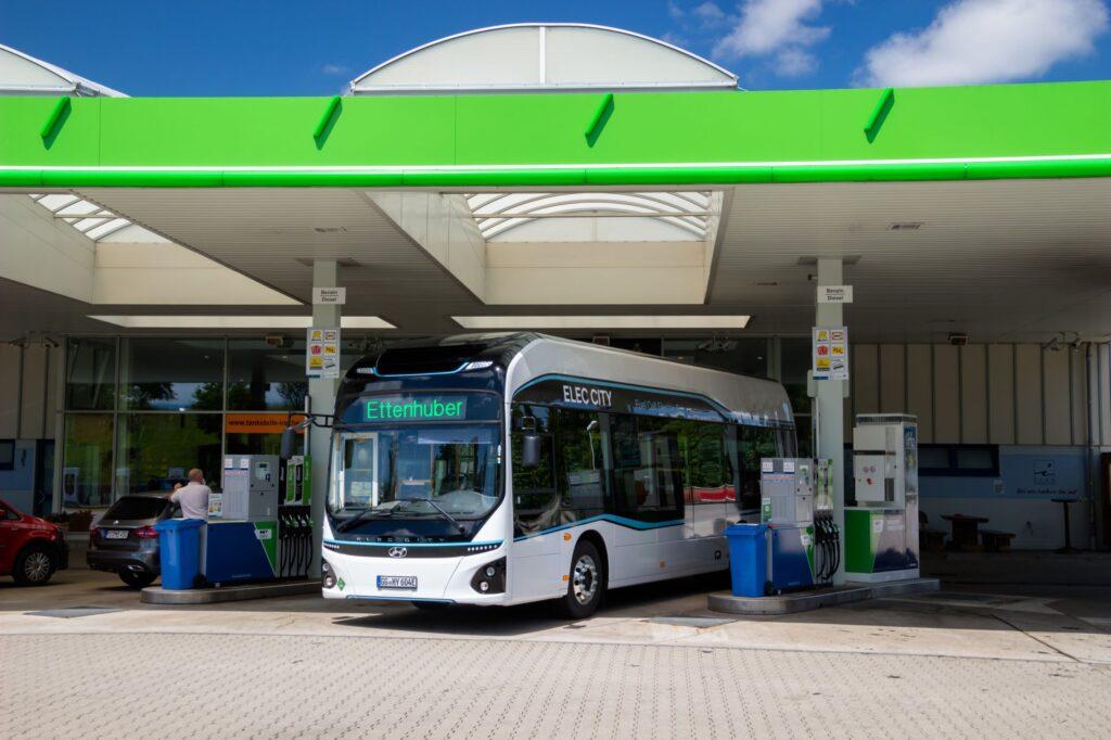 Hyundai Motor's Elec City Fuel Cell bus begins trial service in Munich