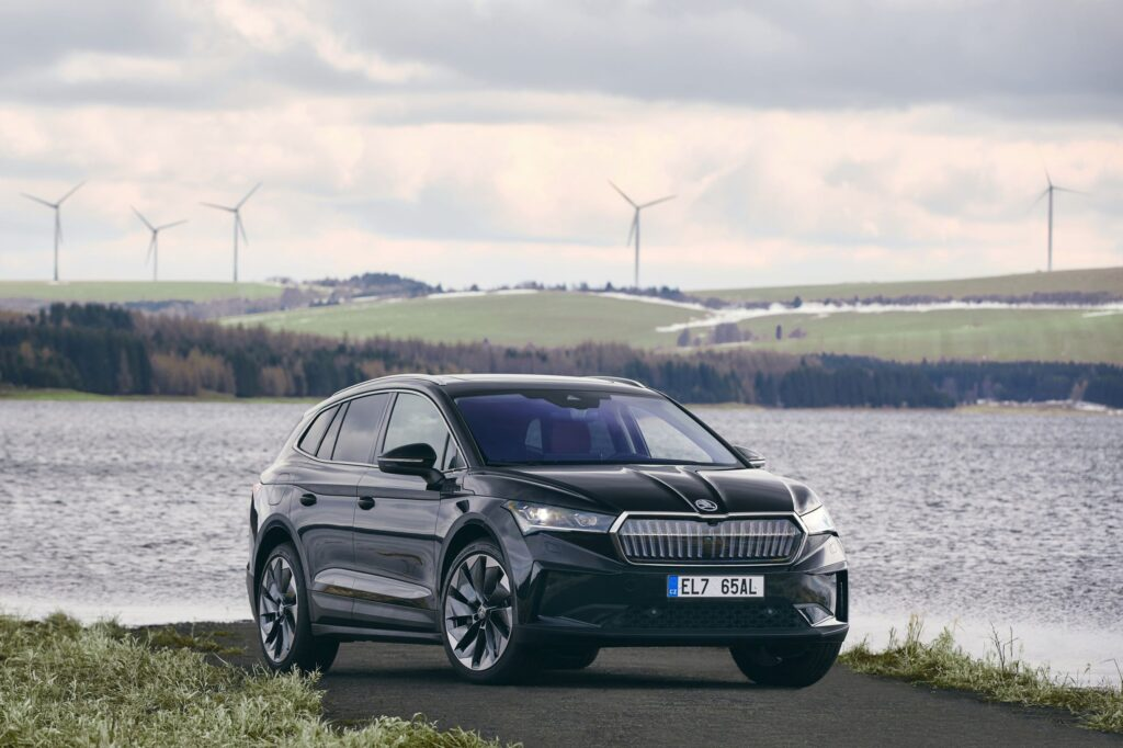 ŠKODA AUTO delivers the ENYAQ iV to customers with a carbon-neutral balance sheet