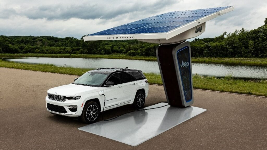 Jeep reveals first images of all-new 2022 electrified Jeep Grand Cherokee 4xe plug-in hybrid