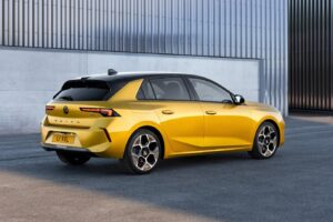 Vauxhall reveals all-new Astra with plug-in hybrid option