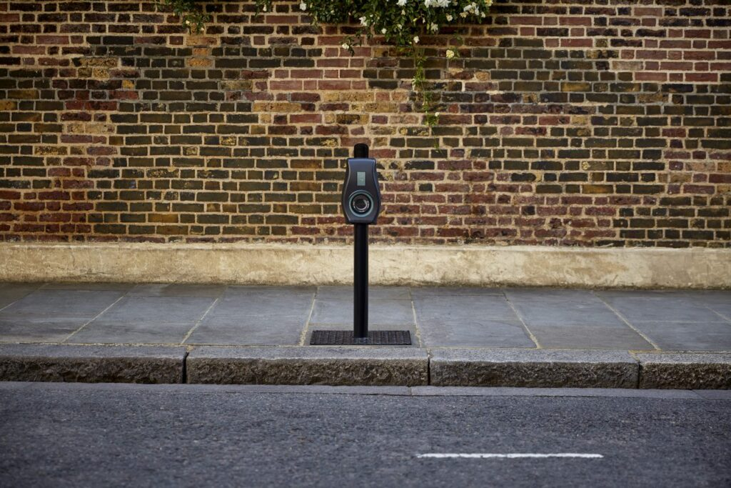 Connected Kerb EV charging project in Lambeth addresses EV inequality