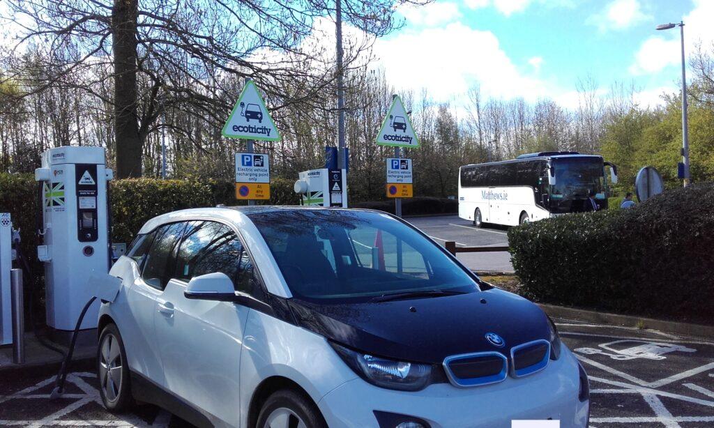 BMW i3 BEV 2014, George - Living with an EV: Public charging